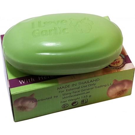 Knoblauch wirksam gegen Akne Seife