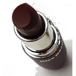 Bruin lippenstift in verschillende kleuren